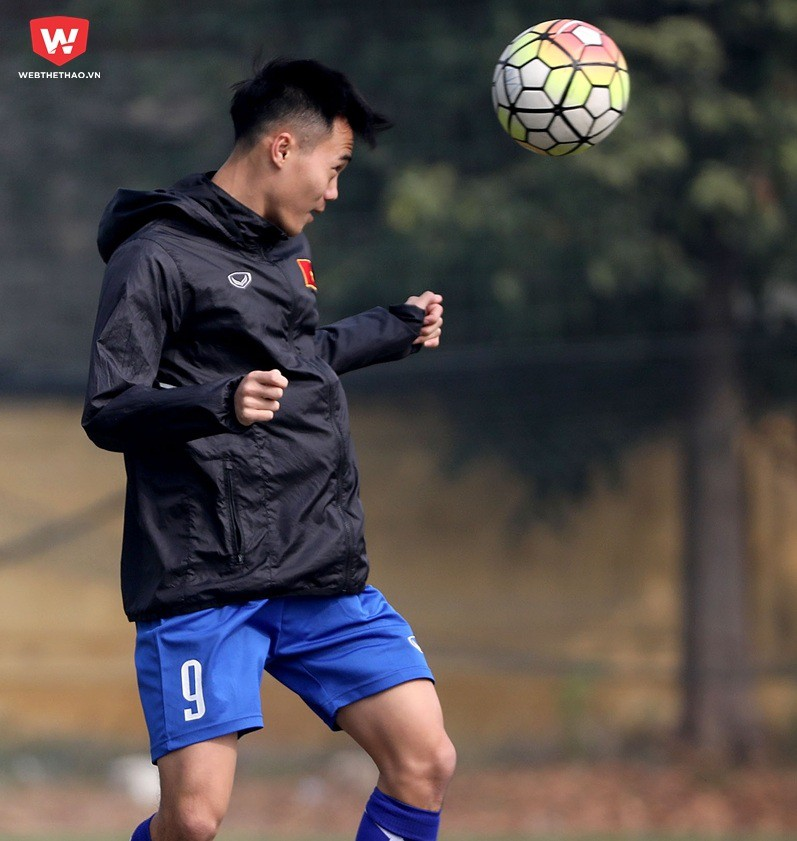 Hình ảnh: Khả năng xử lý bóng bổng đang là điểm hạn chế của U23 Việt Nam. Ảnh: Hải Đăng