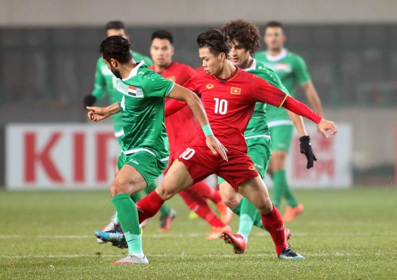 Hình ảnh: Công Phượng thi đấu với vai trò đánh chặn, thay vì ghi bàn ở VCK châu Á 2018.