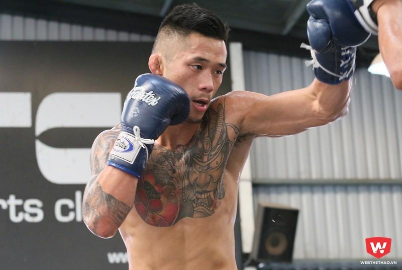 Martin tích cực tập luyện đến ngày 24/3 để đấu với Bibiano Fernandes. Ảnh: Quang Thịnh.