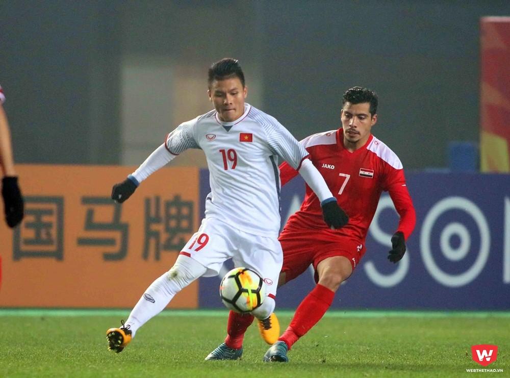 Không ghi bàn nhưng Quang Hải và đồng đội cũng đủ tư cách lần đầu tiên đưa U23 Việt Nam vào tứ kết. Ảnh: Anh Khoa.