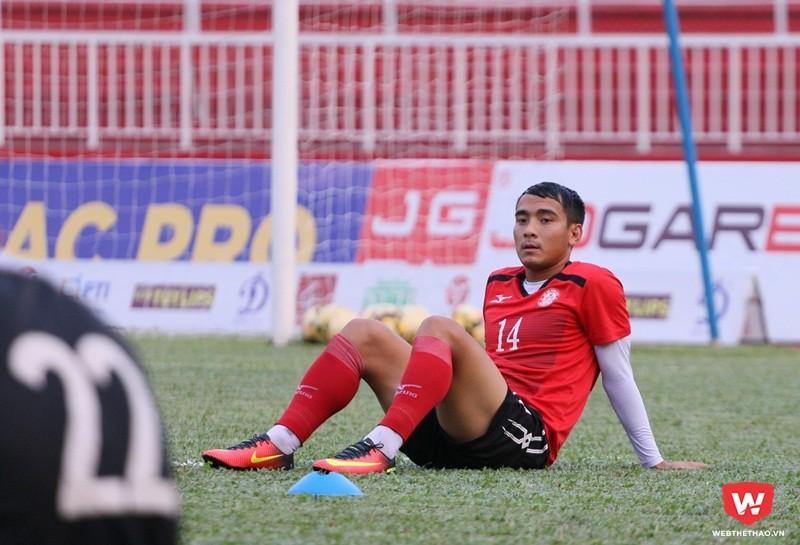 Huỳnh Văn Thanh (và Đỗ Văn Thuận) nhiều khả năng sẽ ra sân từ đầu trước đội bóng cũ CLB Sài Gòn. Ảnh: Quang Thịnh.