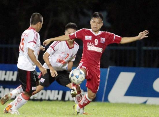 Hy vọng Hữu Khôi sẽ học hỏi được nhiều điều khi chơi bóng ở nước ngoài bởi trước đó anh chủ yếu đá giải trẻ và các đội ở giải hạng Nhất. Ảnh: Thanhnien.