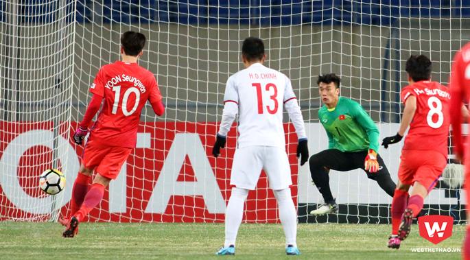 Thủ môn của U23 Việt Nam cản phá được 4/5 quả phạt đền gần đây nhất, chiếm tỷ lệ lên đến 80%. Ảnh: Anh Khoa.