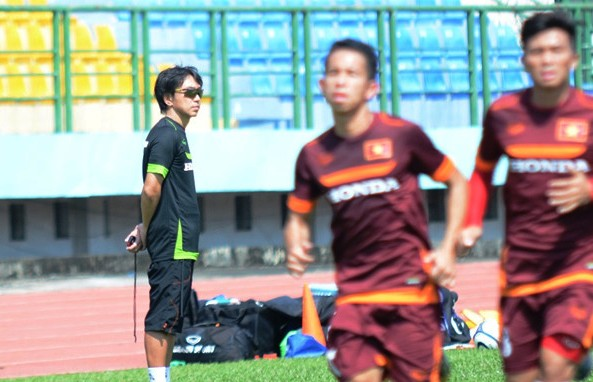 HLV Toshiya Miura thời còn dẫn dắt U23 Việt Nam năm 2015. Ảnh: Zing.