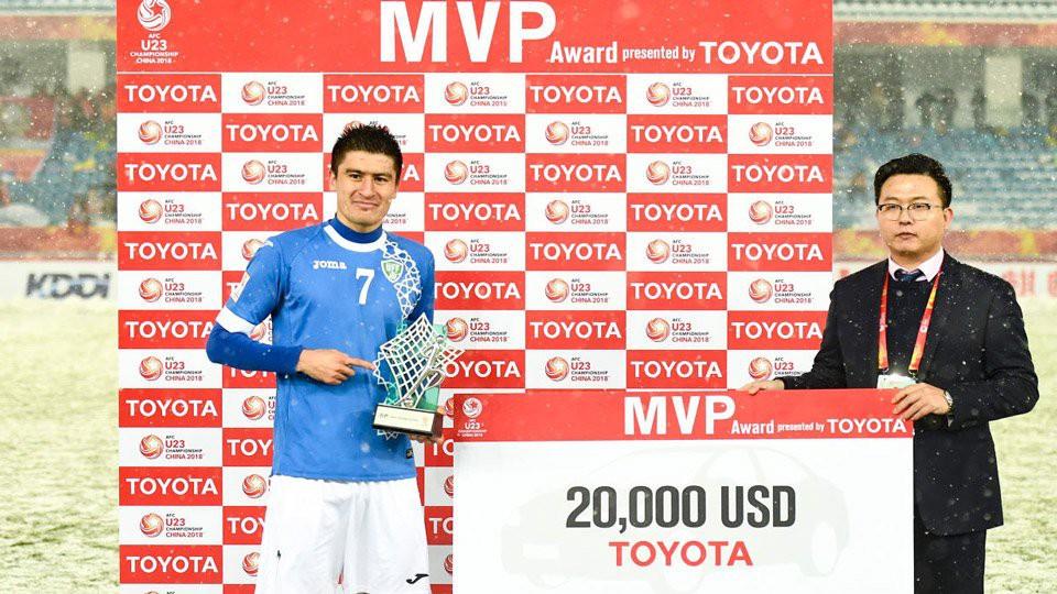 AFC gây ngạc nhiên và không thuyết phục khi trao giải ''Cầu thủ xuất sắc nhất'' cho số 7 của U23 Uzbekistan mà không phải Quang Hải. Ảnh: AFC.