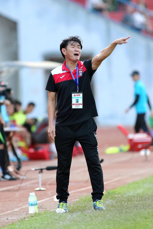 HLV Phan Thanh Hùng đánh giá cao CLB Sài Gòn
