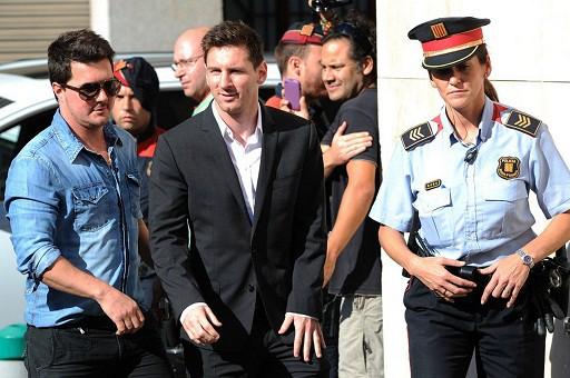 Vượt qua những vấn đề ở hậu trường như scandal nghi trốn thuế, Messi vẫn tự tin hướng đến một mùa giải mới thành công của Barca.