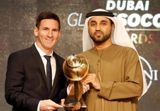 Trước khi danh hiệu QBV 2015 được công bố, Messi được vinh danh với giải thưởng Cầu thủ xuất sắc nhất thế giới của Globe Soccer.