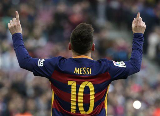 Ngày 15/02, ''La Pulga'' đánh dấu trận đấu thứ 300 tại La Liga với cú hat-trick vào lưới Levante