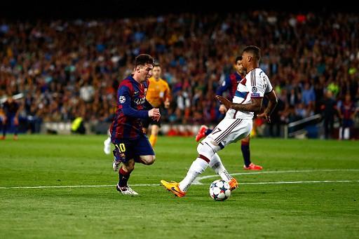 Ngày 06/05, Messi khiến cả thế giới dậy sóng với tình huống xử lý thiên tài để biến Jerome Boateng thành gã hề trong trận bán kết cúp C1 với Barcelona