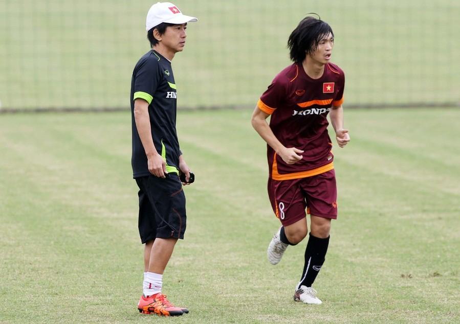 Tuấn Anh chơi khá tốt khi được HLV Miura xếp đá sở trường