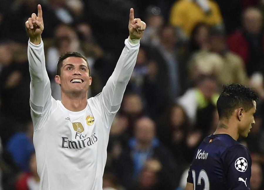 Cristiano Ronaldo có một buổi tối như mơ với cú poker vào lưới Malmo để ghi danh vào lịch sử Champions League
