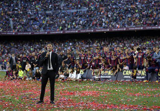 HLV Luis Enrique nói lời tri ân với các cổ động viên Barcelona có mặt trên sân Nou Camp, cũng như fan của đội bóng này trên toàn thế giới