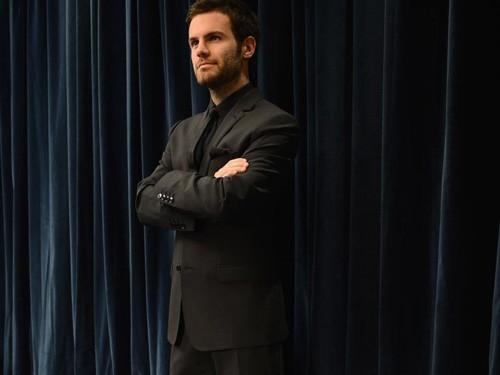 """Khi không bận rộn với lịch tập luyện và thi đấu cùng """"Quỷ đỏ"""", Juan Mata đi đâu, làm gì ở Manchester? Tiền vệ Tây Ban Nha nhận mình thuộc tuýp người hoài cổ, anh thích lang thang, ngắm nhìn những kiến trúc cổ kính hay tới những viện bảo tàng nghệ thuật…"""