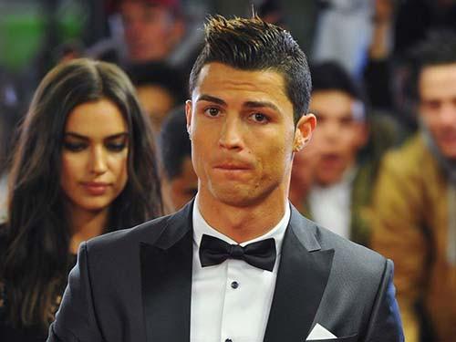 Mất vai diễn, Ronaldo đòi bồi thường 10 triệu euro