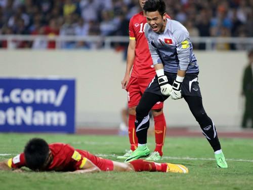 """Việt Nam 0-3 Thái Lan: """"Loạn đao pháp"""""""