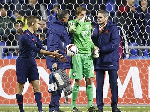 """Hà Lan, Newcastle """"khóc thét"""" vì Tim Krul"""