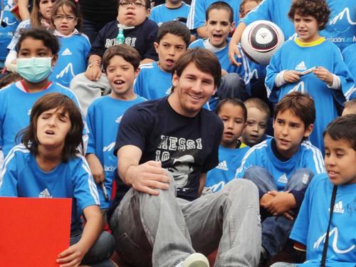 Messi tổ chức giải marathon từ thiện