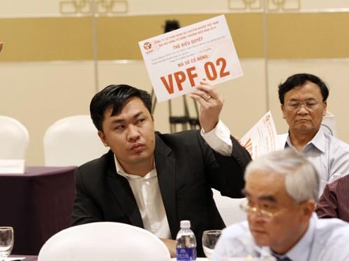 Các CLB phản đối luân phiên nhận 15 tỷ đồng tiền hỗ trợ: Lợi ích cá nhân