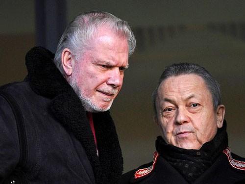 Bộ đôi chủ tịch West Ham suýt tử nạn máy bay