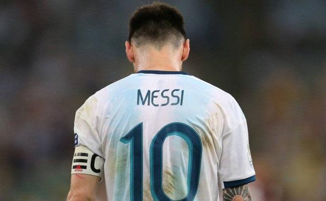 Messi có thể mất World Cup cuối cùng nếu tham dự Super League