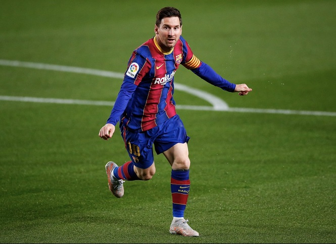 Messi sánh ngang Ronaldo trong cuộc chiến giành Chiếc giày vàng