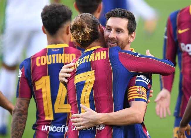 Messi hào phóng nhường sút phạt đền cho Griezmann