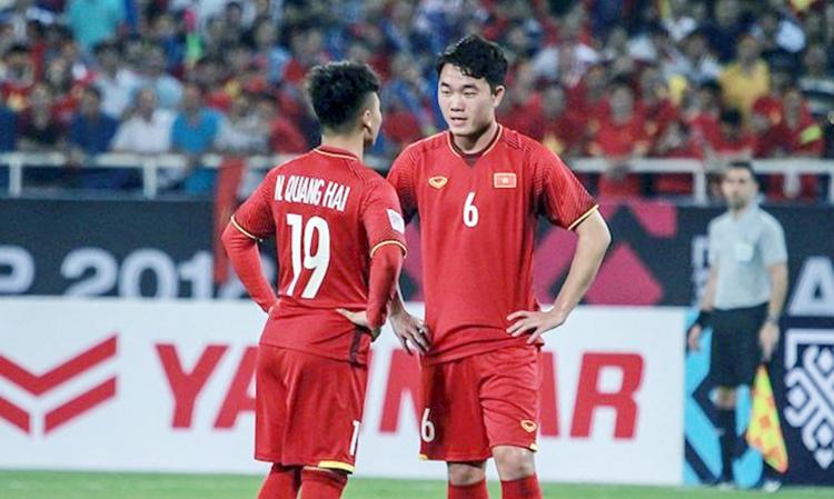 """Đội hình dự kiến Việt Nam vs UAE: Chờ Xuân Trường, Quang Hải """"xuất chiêu"""""""