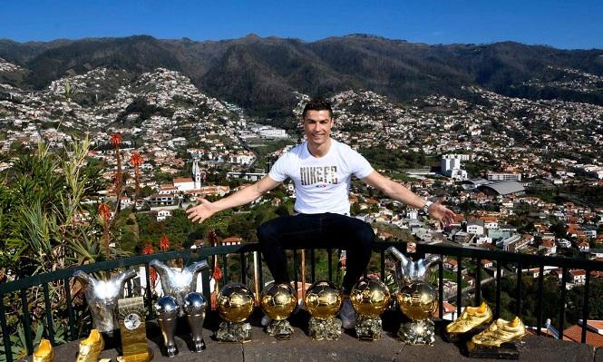 Ronaldo khiến hàng xóm kinh ngạc khi tập điên cuồng lúc còn nhỏ