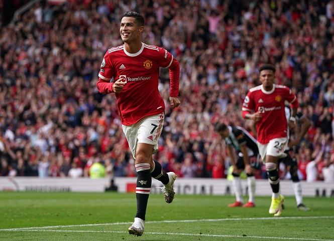 Ronaldo ghi bàn cho MU bằng khoảng thời gian dài thứ hai lịch sử