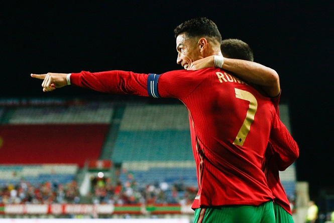 Ronaldo lập kỷ lục về số hat-trick cho đội tuyển Bồ Đào Nha