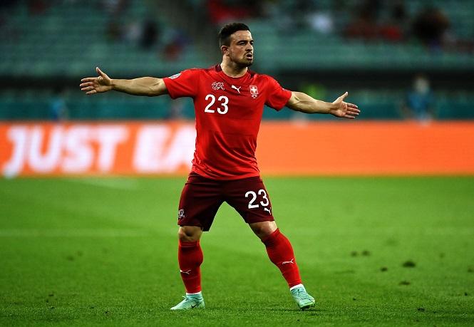 Shaqiri lập công cho Thuỵ Sỹ, sánh vai với Ronaldo